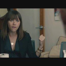 Celeste holt sich Rat bei ihrem Geschäftspartner - Szene Poster