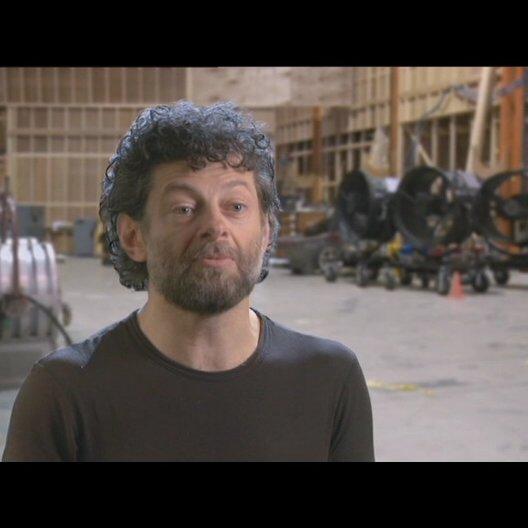 Andy Serkis (Caesar) über die Evolution der Affen - OV-Interview Poster