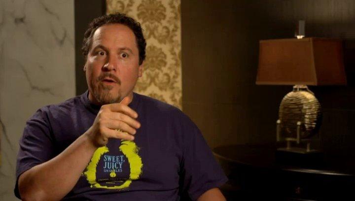 Jon Favreau - Happy Hogan - über die Beziehung zwischen Happy und Pepper - OV-Interview Poster