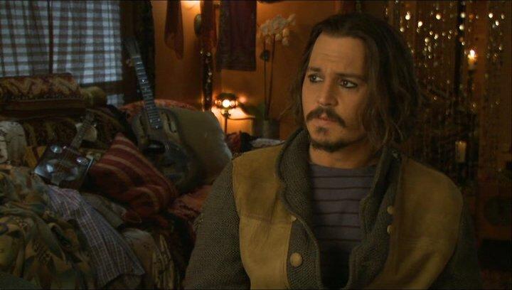 Johnny Depp (Frank Tupelo) über Angelina Jolie - OV-Interview Poster