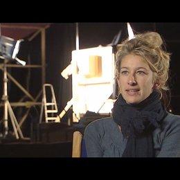 Neele Leana Vollmar (Regie) über den Film als Komödie und Familiengeschichte - Interview Poster