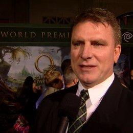 US Premiere - Robert Stromberg (Production Designer) über den Look des Films - OV-Interview Poster