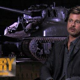 Brad Pitt über die Panzer Crew - OV-Interview Poster