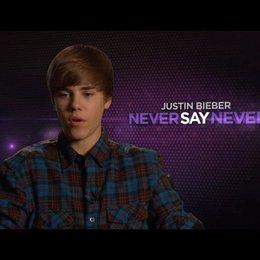 Justin Bieber über seine Arbeit - OV-Interview Poster