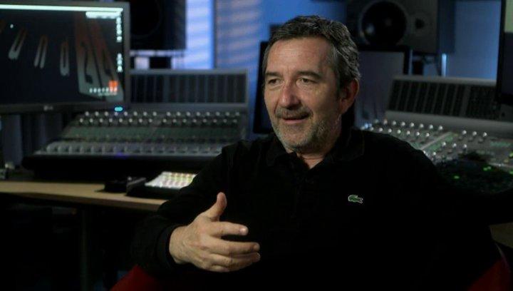 Pascal Chaumeil (Regisseur) über das Team - über die Figuren - OV-Interview Poster
