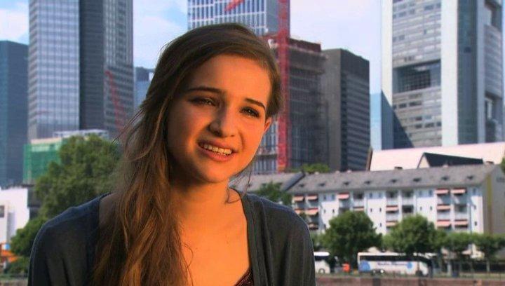 Lisa Vicari - Lilli -  über Andi - Interview Poster