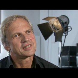 Reinhard Klooss ueber die Geschichte - Interview Poster