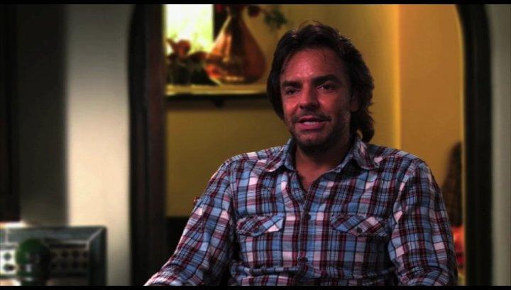 Euginio Derbez über Adam Sandler - OV-Interview Poster