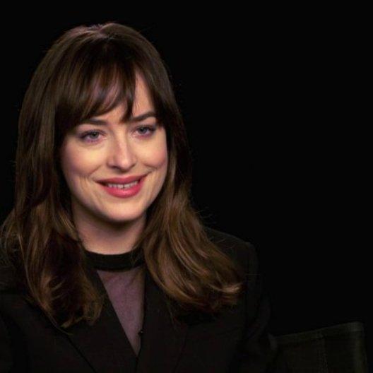 Dakota Johnson über den Reiz des Themas - OV-Interview Poster