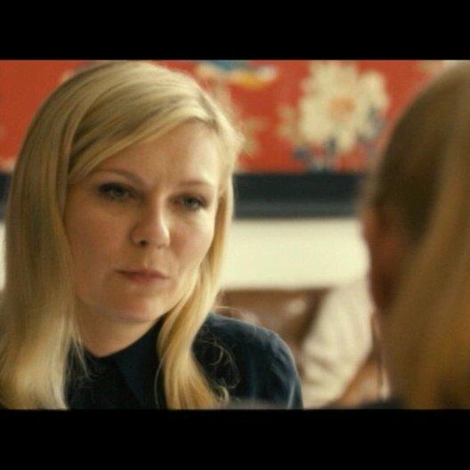 Becky erzählt Regan von Ihren Hochzeitsplänen - Szene Poster