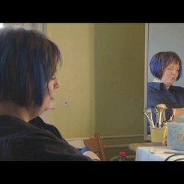 Gabriela Maria Schmeide / Kathi - über die Zusammenarbeit mit Doris Dörrie - Interview Poster