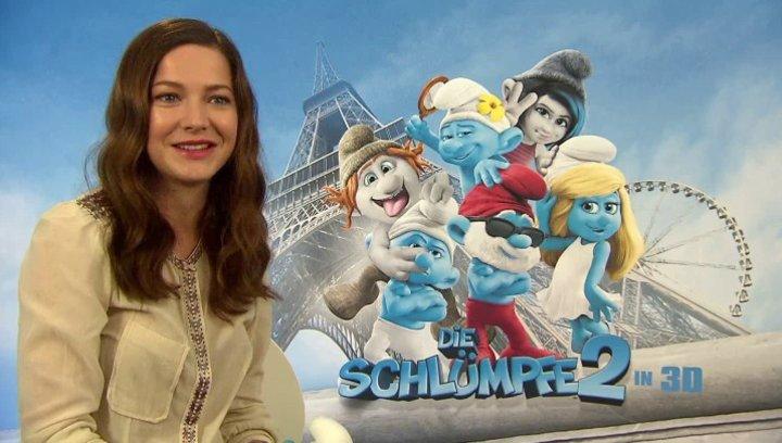 Hannah Herzsprung -Schlumpfine- über die Faszination Schlümpfe - Interview Poster