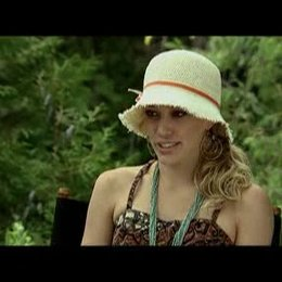 """Hilary Duff über das Besondere an """"Im Dutzend Billiger 2"""" und ihre Rolle. - OV-Interview Poster"""