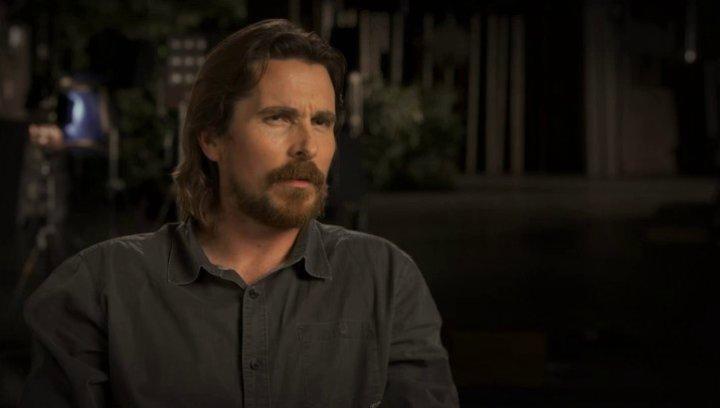 Christian Bale über Aaron Paul - OV-Interview Poster