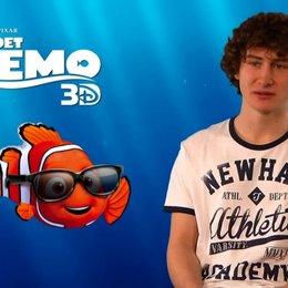 Domenic Redl - Synchronstimme Nemo - über die Zusammenarbeit mit Anke Engelke und Christian Tramitz - Interview Poster