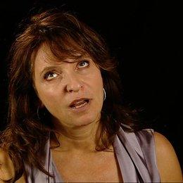 Susanne Bier über die Darsteller - OV-Interview Poster