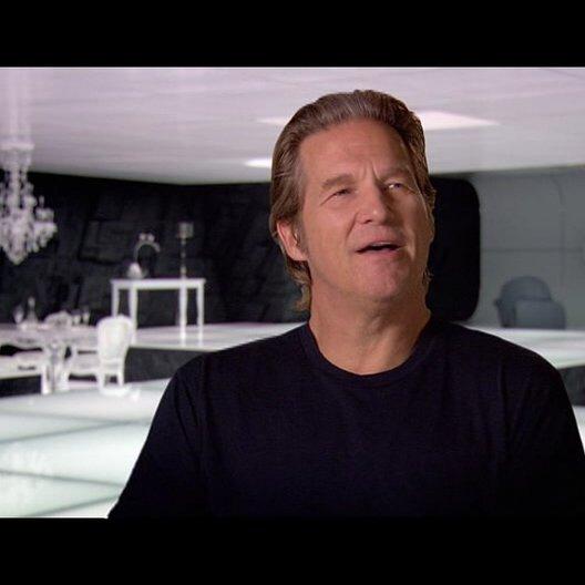 Jeff Bridges (Kevin Flynn - Clu) über Garrett Hedlund - OV-Interview Poster