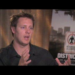 Sharlto Copley über die Entstehung des Films - OV-Interview Poster