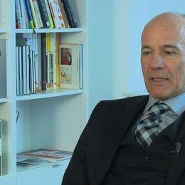 Heiner Lauterbach über Matthias Schweighoefer - Interview Poster