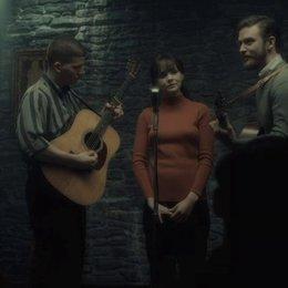 Troy, Jean und Jim auf der Bühne - Szene Poster