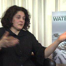 Jennifer Baichwal - Regisseurin - über die Bedeutung des Themas Wasser - OV-Interview Poster