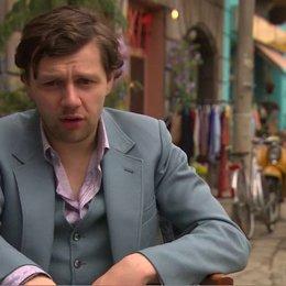 CHRISTIAN FRIEDEL - Andrej - über die Atmosphäre am Set - Interview Poster