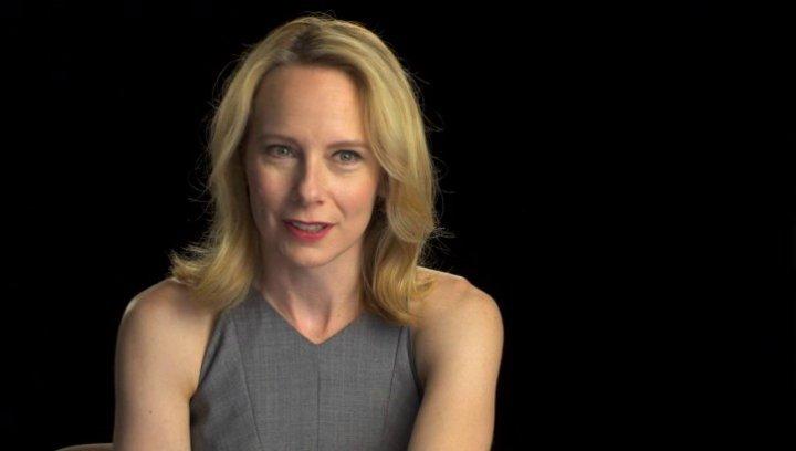 Amy Ryan über Abigails Einstellung zu Breslins Jobangebot - OV-Interview Poster
