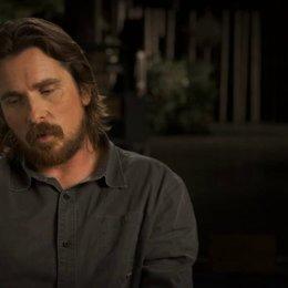 Christian Bale über die atemberaubenden Drehorte - OV-Interview Poster