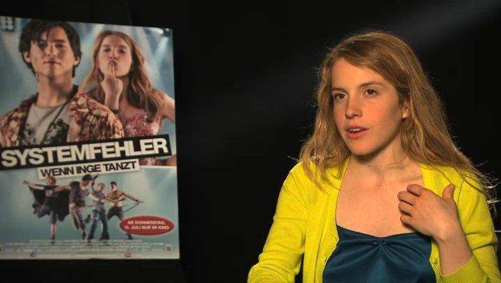 Paula Kalenberg über Max - Interview Poster