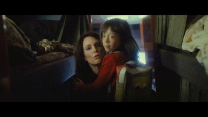 Maisie und Susanna im Tourbus - Szene Poster