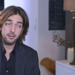 Max Wiedemann (Produzent) über die Besetzung - Interview Poster