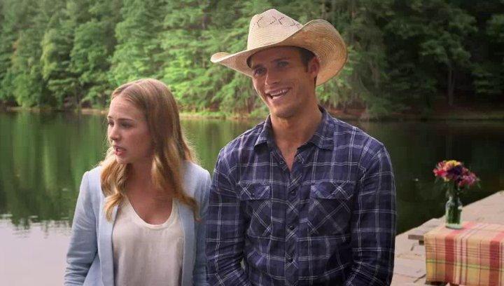 Britt Robertson und Scott Eastwood über das Drehen der Datingszene - OV-Interview Poster