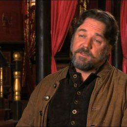 Russell Crowe über das Konzept des Films - OV-Interview Poster
