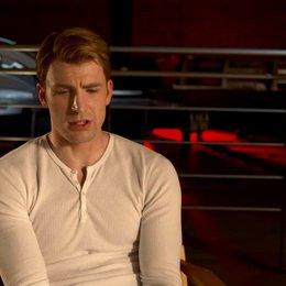 Chris Evans - Steve Rogers - Captain America über Captain Amerikas Verhältnis zu Hulk - OV-Interview Poster