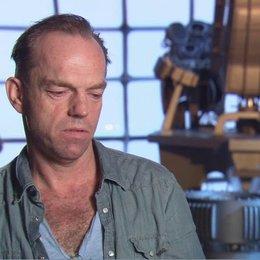 Hugo Weaving - Johann Schmidt - Red Skull - über Den Film - OV-Interview Poster