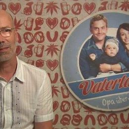 Jakob Claussen -Produzent- über die Idee zu VATERTAGE - Interview Poster