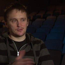 Tommy Wirkola - Regisseur und Drehbuchautor - darüber einen Actionfilm mit Horrorelementen zu produzieren - OV-Interview Poster