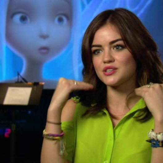 Lucy Hale - Periwinkle - über Periwinkle - OV-Interview Poster
