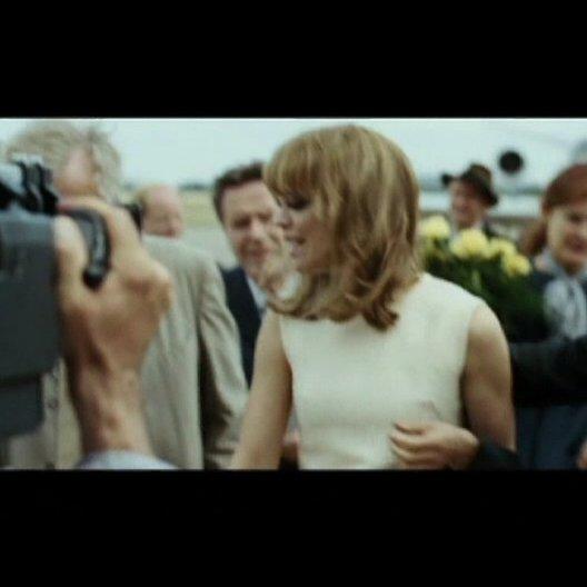 Hilde & David kommen im Tempelhof an - Szene Poster