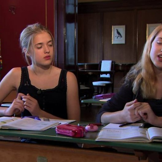 Jana Sophia Münster über Unterschiede der Zwillinge - Interview Poster