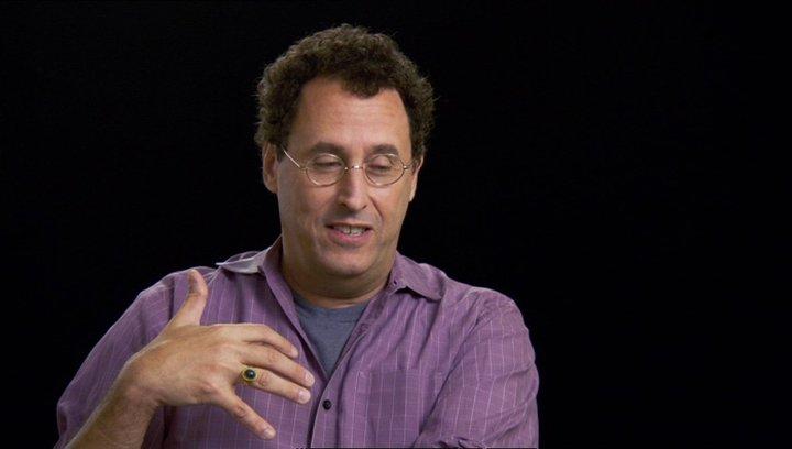 Tom Kushner (Drehbuchautor) über Steven Spielberg - OV-Interview Poster