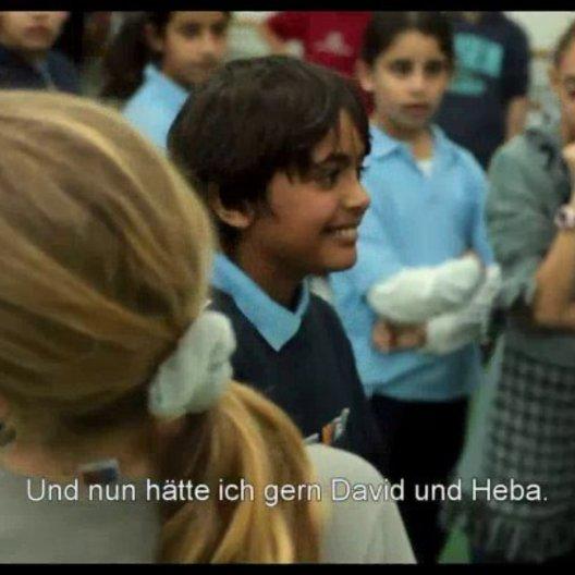 Jüdische und palästinensische Kinder tanzen - Szene Poster