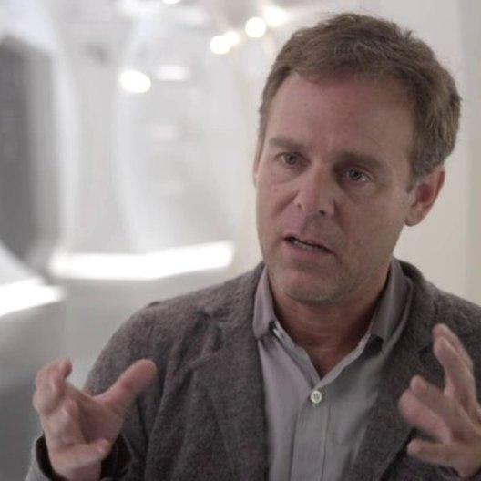 Bryan Burk - Produzent - darüber den Film in 3D zu drehen - OV-Interview Poster