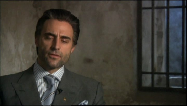 Interview mit Mark Strong (Hani) - OV-Interview Poster