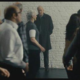 Matthew besucht Pauline im Tanzstudio (englisch) - Szene Poster