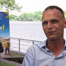 Vinko Brešan Regisseur über die Rolle der Musik im Film, über das Nachleben des Films - OV-Interview Poster