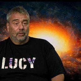 Luc Besson - Regie, Drehbuch und Produktion - über seine Hoffnung für den Film - OV-Interview Poster