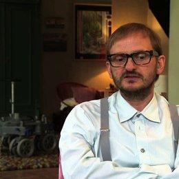 Milan Peschel über den Film - Interview Poster
