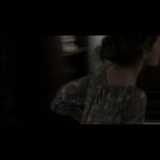 Renai (ROSE BYRNE) und Josh Lambert (PATRICK WILSON) finden ihren Sohn Dalton (TY SIMPKINS) nach einem Unfall auf dem Dachboden - Szene Poster