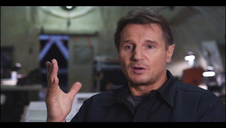 "Liam Neeson - ""Hannibal"" über Joe Carnahan - OV-Interview Poster"